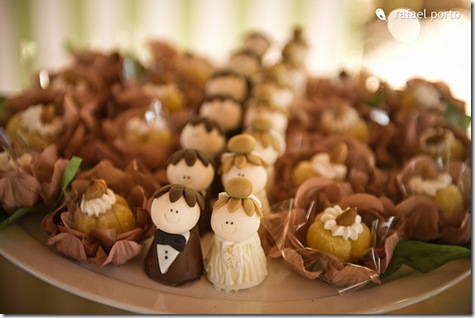 bride and groom chocolate treats